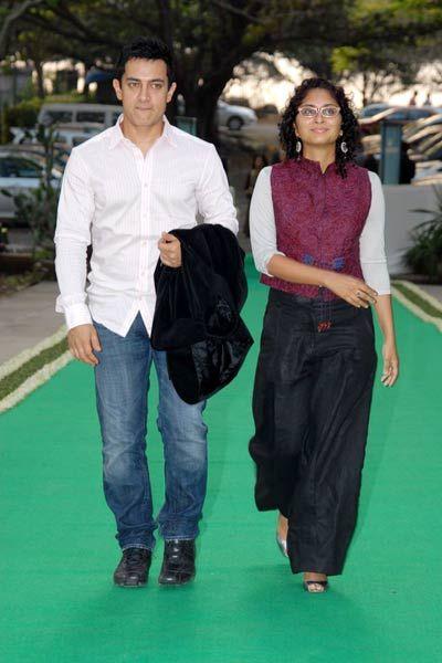 wide pants, white shirt & killer vest .. great look!! (aamir khan kiran rao)