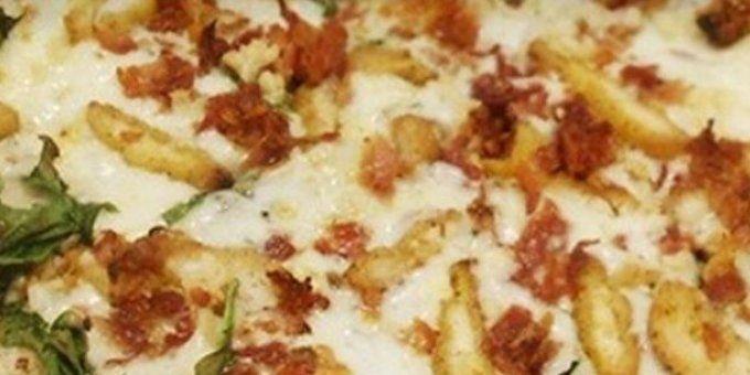 chicken cutlets, spinach, garlic, Romano cheese, hot peppers, bacon and mozzarella, Mahk Anthony pizza at Nocolitalia, Boston, via Zagat