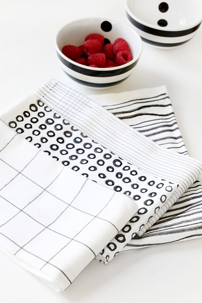 MY DIY | Black & White Printed Napkins