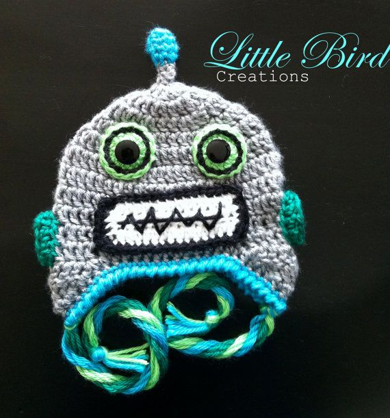 This awesome robot hat is a fun way to keep warm this winter! With button eyes and soft yarns, this hat makes a great gift!