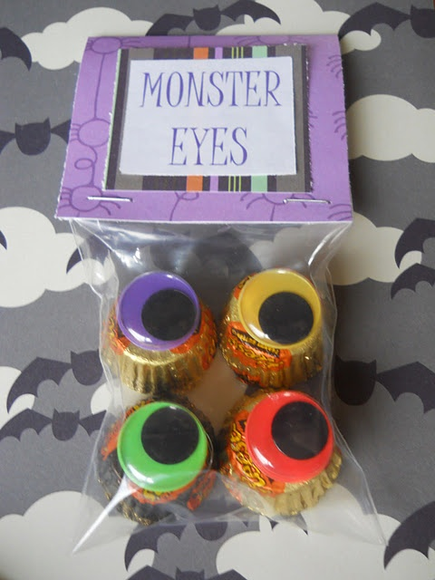Halloween Monster eyes. This would be a super fun trick or treat idea to pass out for Halloween 2015