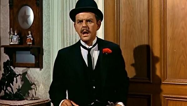 24 June, 2000, saw the death of David Tomlinson aged 83, famous for playing George Banks in Mary Poppins (1964)