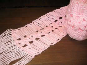 Haven Cottage Crafts: Pretty Pink Flowers Scarf