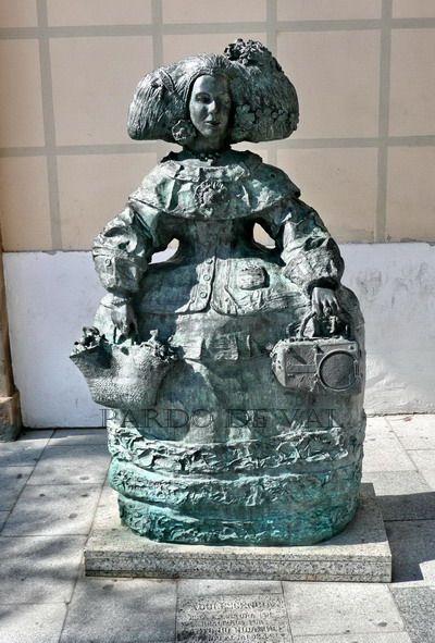 La Menina en la plaza del Carmen