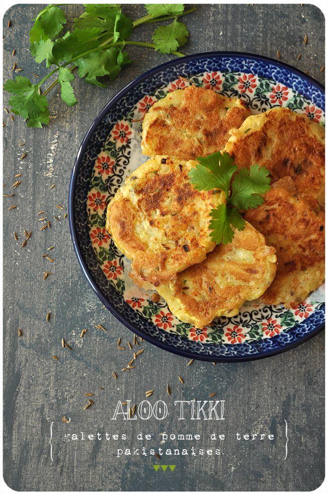 Une jolie recette trouvée sur le blog américain Beyond Kimchee, que j'adore. Ces petites galettes super parfumées peuvent être servies pour un snack rapide ou à l'apéro, avec des chutneys ou une petite sauce au yaourt et aux herbes! Galettes de pomme...