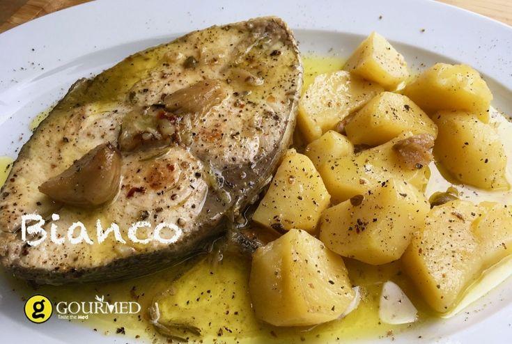 Μπιάνκο Παραδοσιακή Κερκυραϊκή συνταγή για ψάρι - gourmed.gr