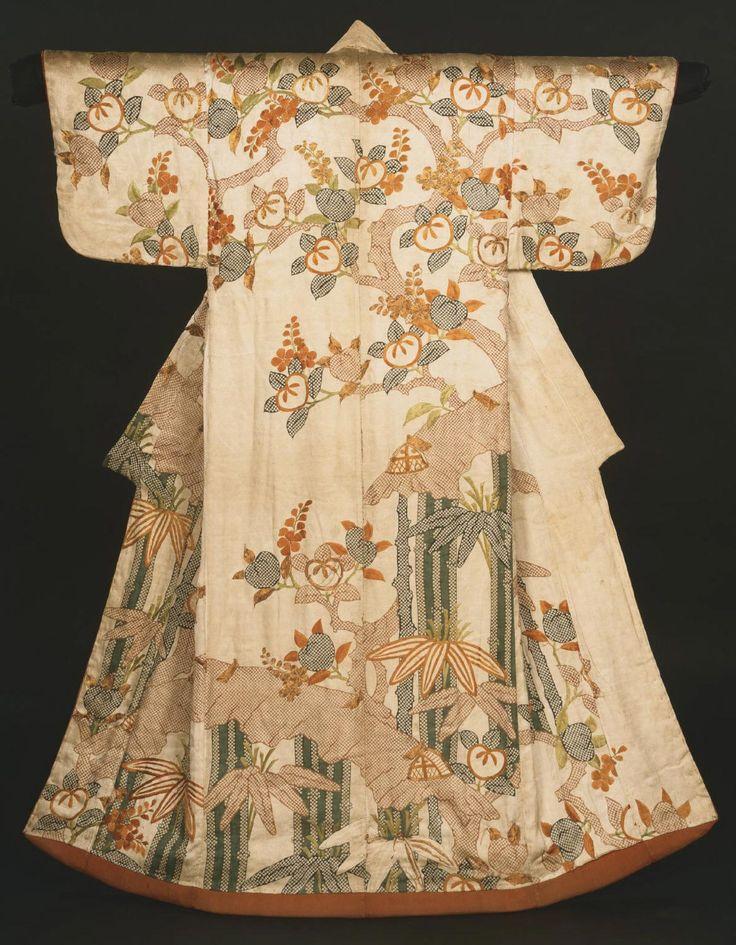 Women's kimono (Kosode) from the early 18th century during the Edo Period, Japan. Philadelphia Museum of Art