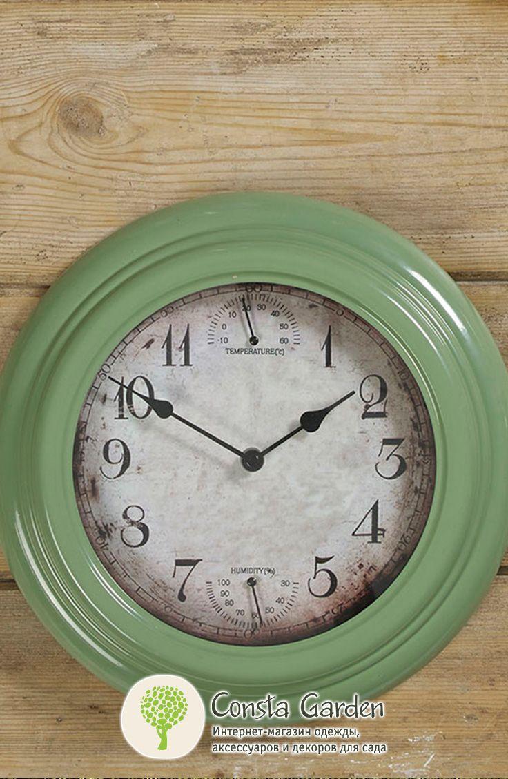 Уличные часы Sanford Briers.Оригинальный и функциональный декор для фасада загородного дома, беседки, террасы или балкона  –  часы в широкой эмалированной раме винтажного зеленого цвета.
