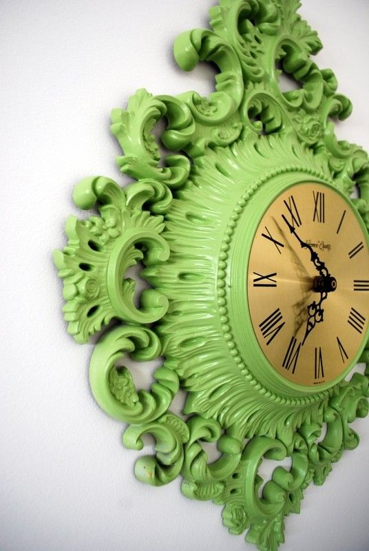funky upcycled clock: Vintage Clocks, Green Clocks, Home Interiors, Green Wall, Color, Old Clocks, Thrift Stores, Wall Clocks, Design Home