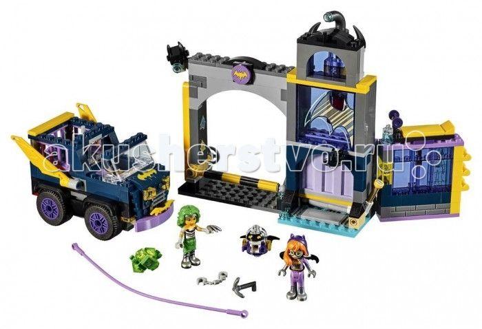 Конструктор Lego Супергёрлз Бэтгёрл Секретный бункер Бэтгёрл 351 элемент  Конструктор Lego Супергёрлз Бэтгёрл Секретный бункер Бэтгёрл 351 элемент 41237 состоит из классических деталей, в том числе фигурок персонажей знаменитого мультфильма Super Hero Girls - Batgirl и Mad Harriet. Ребенку предлагается собрать захватывающий сюжет: Мэд Гэрриет и зеленый Криптомайт ворвались в секретный бункер Бетгерл и совершили дерзкое ограбление.  Полученный секретный двухэтажный бункер с вращающимся…