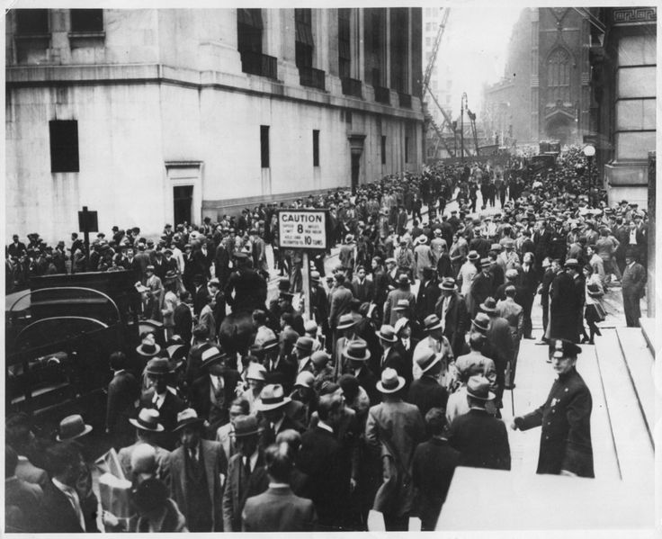 October 29th, 1929, coined Black Tuesday, was the most devastating day in the Wall Street Crash of 1929, which to this day is the worst stock market crash in United States history. | 34 Eye Opening Photos Of The Great Depression