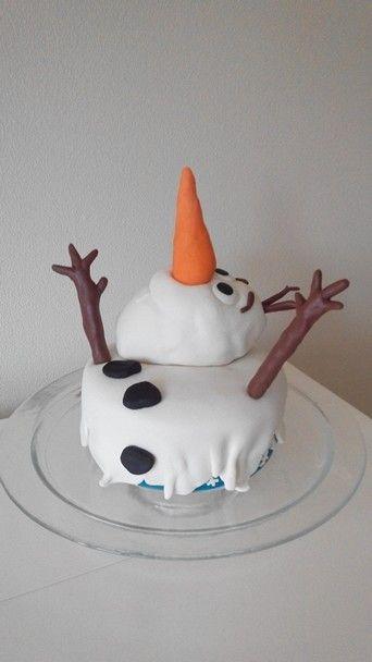 Gesmolten Olaf de sneeuwpop taart