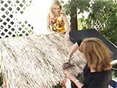 How to build a tiki hut! Using some recycle materials...