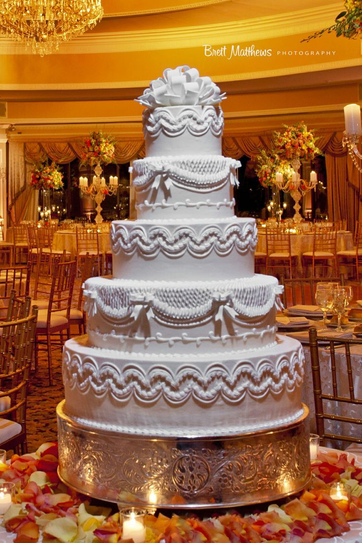 Best wedding cakes long island - The Beautifully Restored Oheka Castle In Long Island New York Is The Perfect Place For Your Wedding Weekday Getaway Or Corporate Event