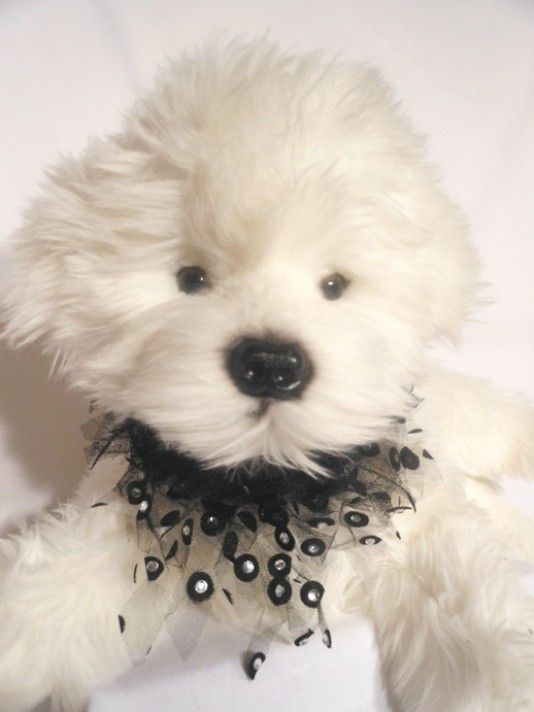 HOLLYWOOD $19.95 Hollywood is a fun tie on bandana of tulle fringe and diamantes with black velvet ribbons to tie on, another great party bandana