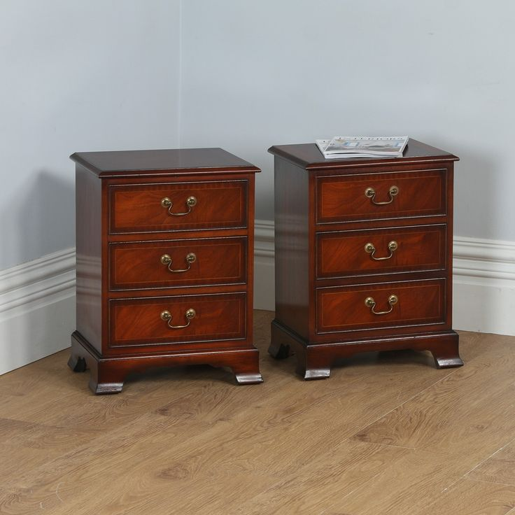 Pair of Georgian Style Mahogany Inlaid Bedside Chests of Drawers by Bradley (Circa 1975)