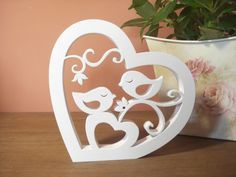 Coração confeccionado em mdf, decorado com passarinhos.  Sugestão para decoração de festas, bodas, casamento e também para decorar a casa.