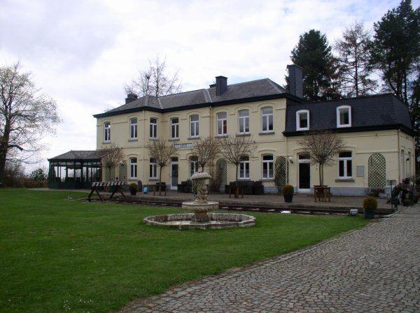 L'ancienne gare de Sart-lez-Spa, transformée en hôtel.