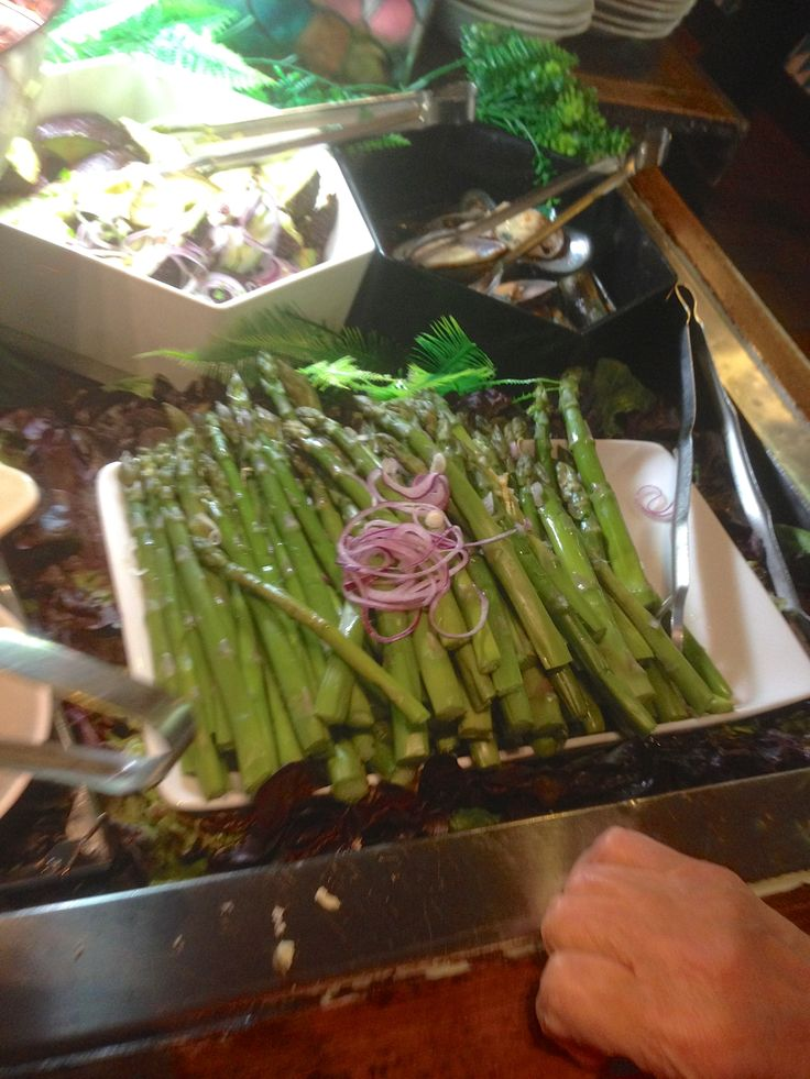 My friend likes vegeterian food. She had this delicious asparagus.