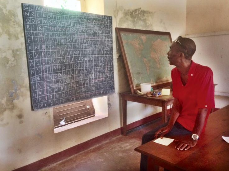 CNRO's resident caretaker, Jon, enjoying a word search in this morning's English lesson. #madagascarvolunteer