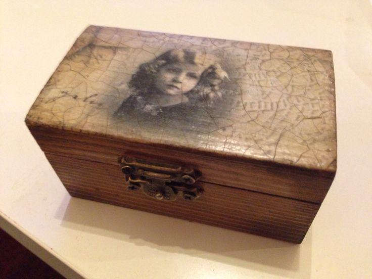 A little girl box