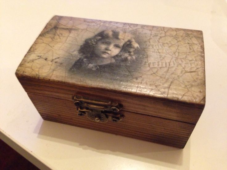 A little girl box