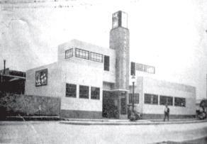 Edificio de la Cía. Nacional de Chocolates sobre la Avenida Uribe Uribe, en Cali, 1936 Tomada de DIAZ DEL CASTILLO, Porfirio: El Valle del Cauca. Historia y realidades de sus municipios, 1936
