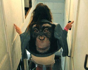 AFFE MAN. Denim Jeans-Jacke mit Nieten besetzt überdimensioniert Affen gequält Sharred L Größe mit Patches Patch gedruckt drucken