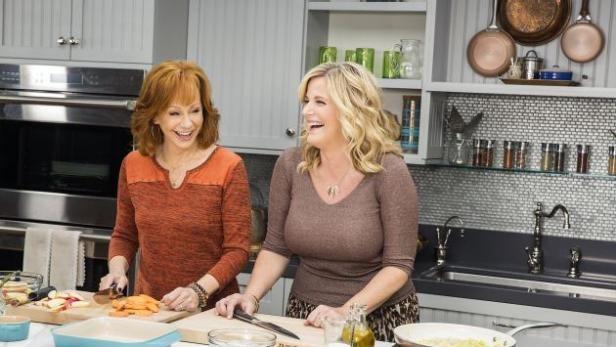 Watch Trisha S Southern Kitchen Full Episodes From Food Network Trisha S Southern Kitchen Southern Kitchens Food Network Recipes