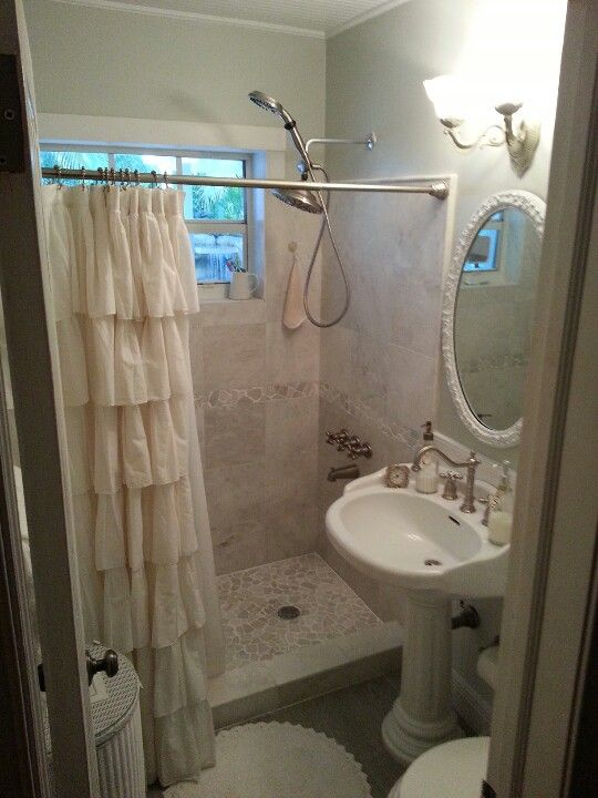 Shabby Chic Bathroom Curtain Ideas : Shabby chic bathroom cute ruffled shower curtain ideas