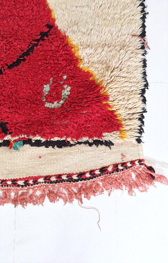 Vintage Moroccan Wool Rug AZILAL Red Diamond por lacasadecoto
