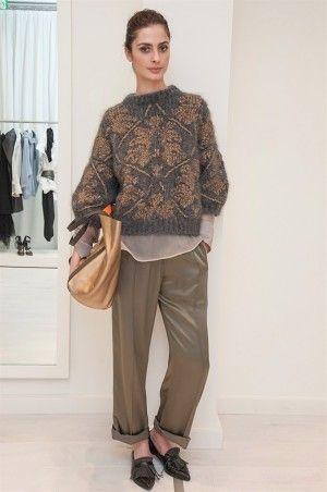 Серый свитер с жаккардом золотого цвета