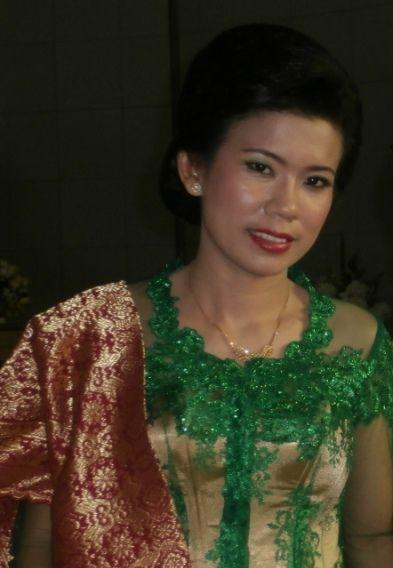green kebaya with songket