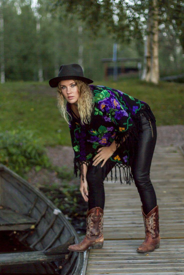 http://www.casadeemilio.com/shop/zarape/  Casa de Emilio fashion Mexican clothing Bohemian poncho Autumn fashion