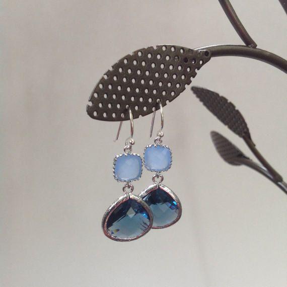 Blue oorbellen, marineblauw en ijs blauw oorbellen, bruidsmeisje blauwe oorbellen van ebben hout 2 Blue tone oorbellen, oorbellen blauw bruiloft, bruidsmeisje cadeau