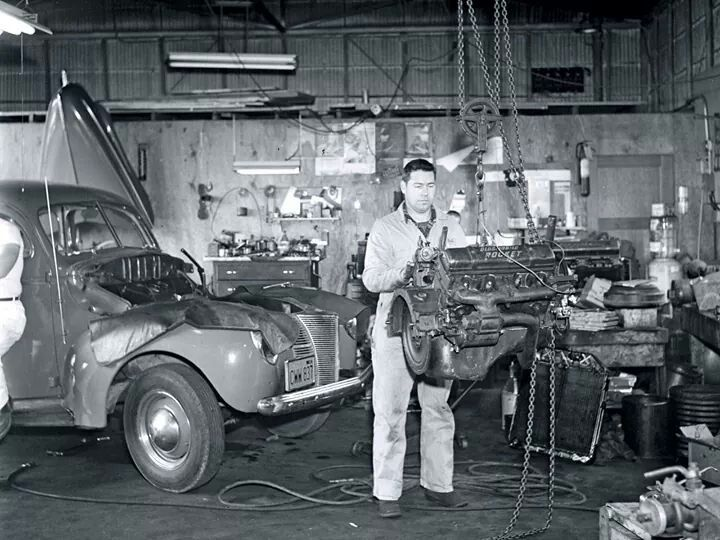 26 best old auto repair shops images on pinterest garage for Garage reparation ford