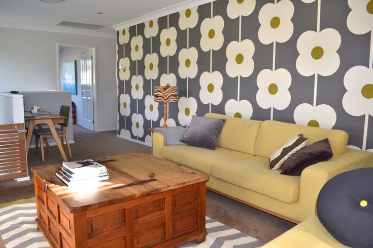 love the Orla Kiely wallpaper