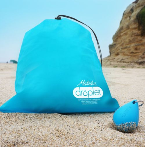 MATADOR DROPLET WET BAG  Oh the joy of the wet swim gear — yuck! Here comes the droplet bag to the rescue. The first time you see how tiny it is you won't believe it! This gadget works to absorb moisture, whether you're dealing with wet swimsuits or sweaty gym clothes. #katielinendoll