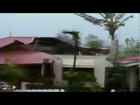 Hurricane Iniki Slams Hawaii