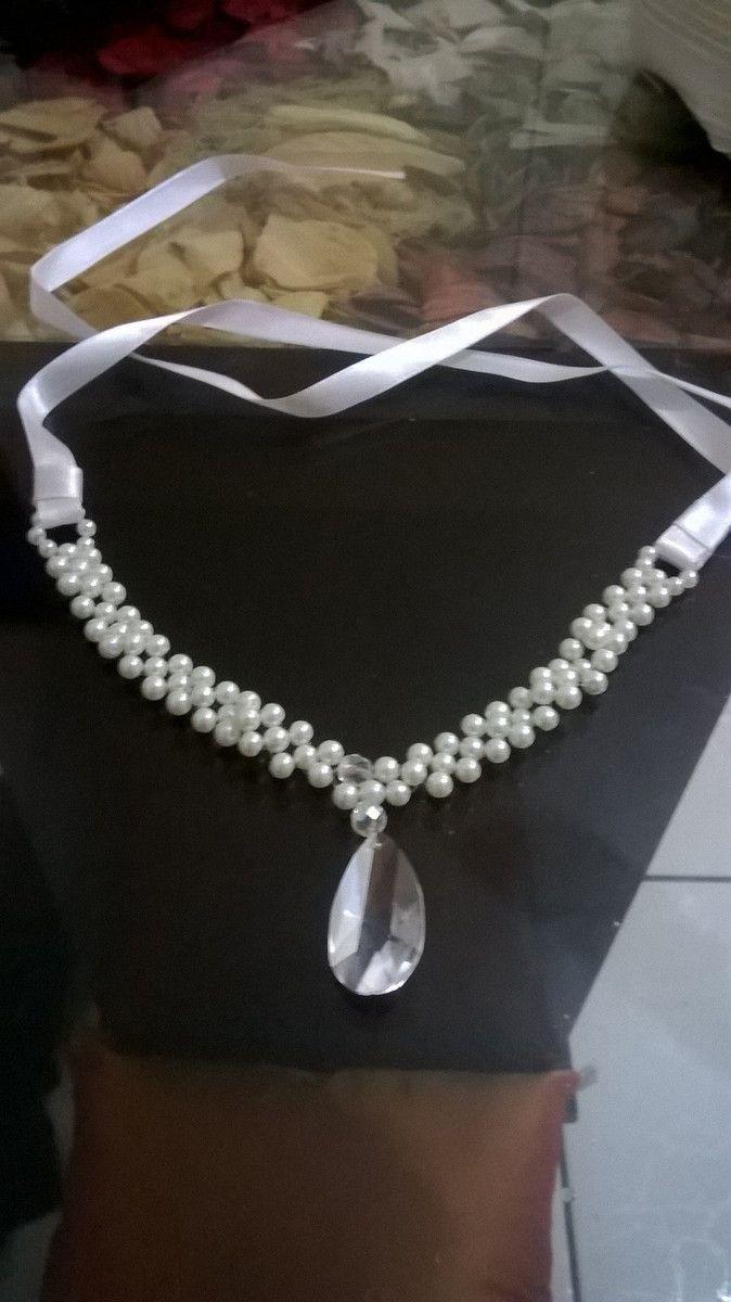 arranjo para noiva, com pingente de cristal egípcio , cristal tcheco e pérolas de vidro.