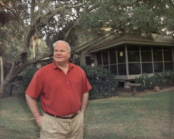 Pat Conroy, Author of 'The Prince of Tides' and 'The Great Santini,' Dies at 70 - NYTimes.com