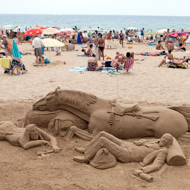Sand sculpture  Benidorm, Alicante, Spain  www.jlopezsaguar.com  Photo by Julio López Saguar