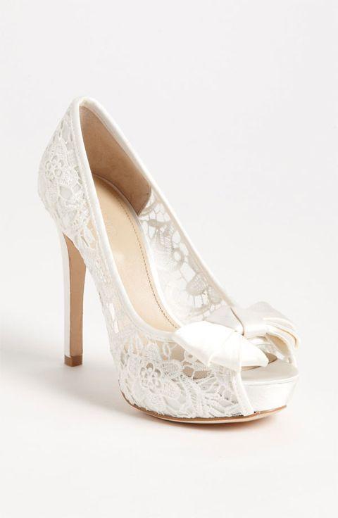 Beautiful white lace heel