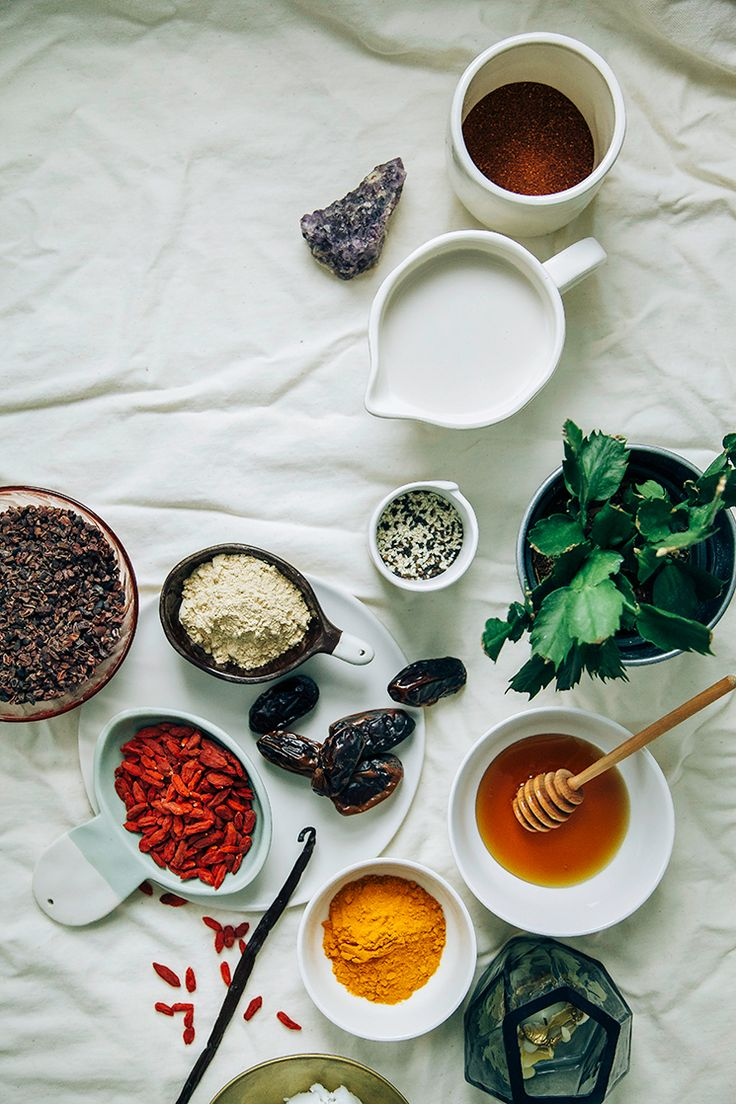 ingredients for superfood lattes // via @thefirstmess