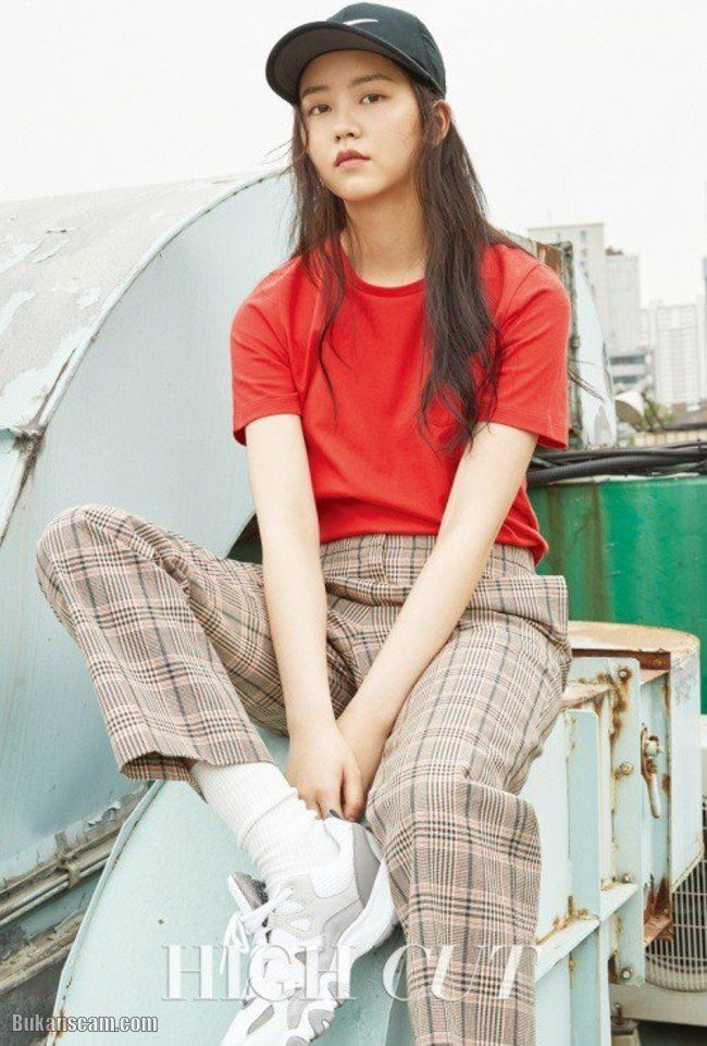 Kim So Hyun for High Cut Magazine Issue June 2017 : http://www.bukanscam.com/2017/05/kim-so-hyun-for-high-cut-magazine-issue.html