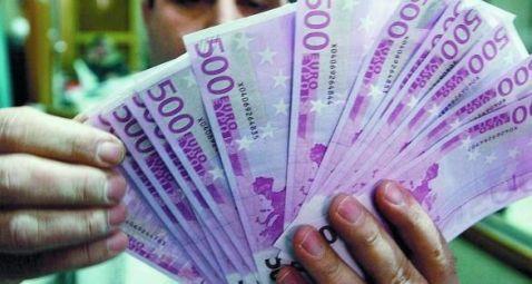 http://www.kratox.com/sacar-de-circulacion-los-billetes-de-500-euros/