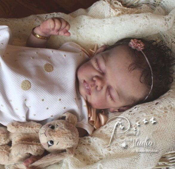 A Romie Baby Full Platinum Silicone Baby Doll Le 6