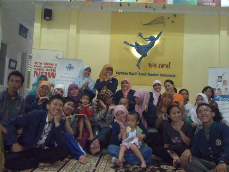 Kunjungan Tanoto Scholars Association ke Yayasan Kasih Anak Kanker Indonesia 2013