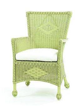 Love little wicker chairs<3
