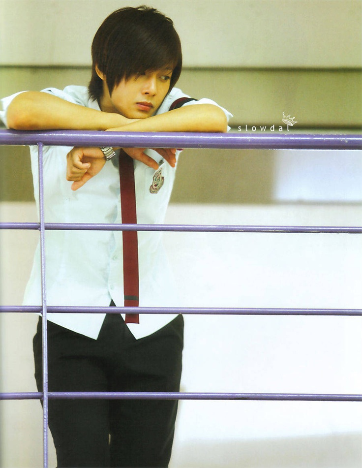 Kim Hyun Joong in Playful Kiss~~~sure, he's a bit arrogant, snobby, and all but then he gives that little smile.....!